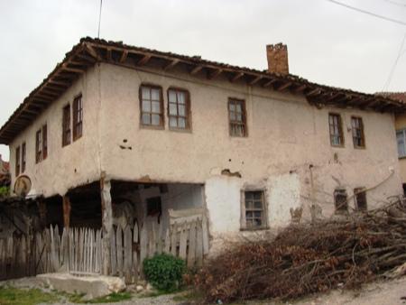 Hatipgilin Evi